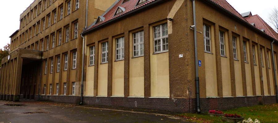 Powiat zdobył pieniądze na ocieplenie budynku I LO w Mrągowie (na zdjęciu) i Mrągowskiego Centrum Kształcenia.