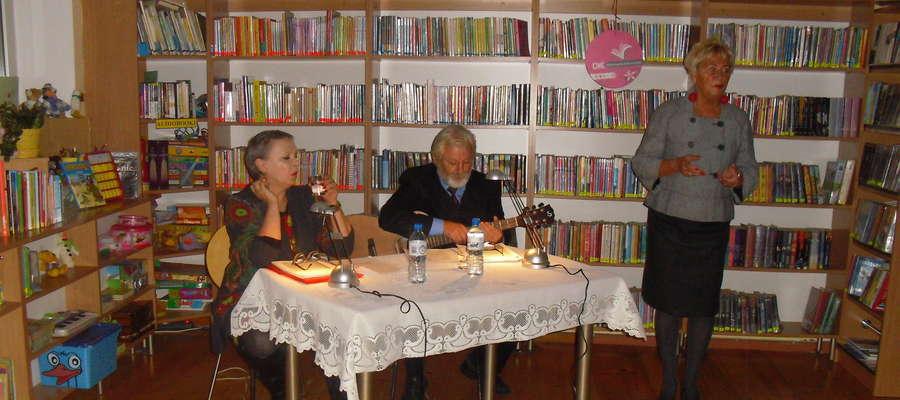 Teatr przy stoliku w Kiwitach