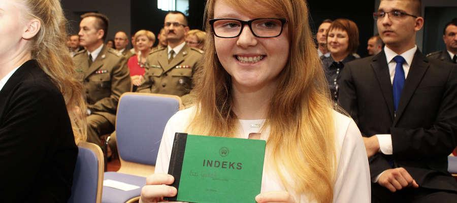 Ewa Godleś otrzymała dziś indeks WSB w Poznaniu. Sama mówi, że gdyby nie możliwość studiowania w Bartoszycach to studiów by w ogóle nie podjęła.