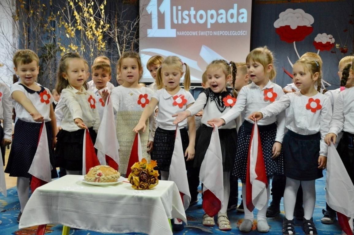 Narodowe święto Niepodległości W Przedszkolu Misia Uszatka