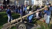 Uczniwoe CES i ŚDS z wizytą w jednostce wojskowej w Suwałkach