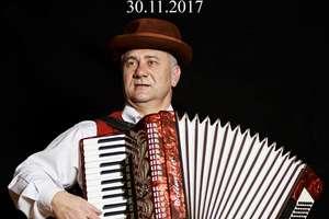 """Świetna zabawa Andrzejkowa """"w rytm walczyka…"""""""
