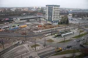 Węzeł przesiadkowy przy dworcu w Olsztynie — z lotu ptaka sprawdzamy, jak idzie budowa [WIDEO, ZDJĘCIA]