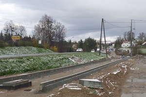 Ścieżka pieszo-rowerowa na trasie Dywity-Kieźliny wciąż niegotowa. Kiedy na ruchliwej dk 51 będzie bezpieczniej?