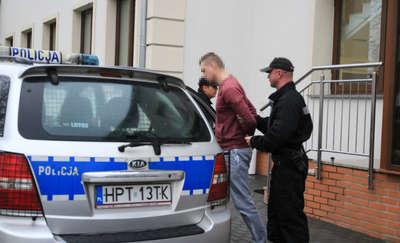 Dwa zarzuty dla ojca skatowanego niemowlęcia. Mężczyzna został tymczasowo aresztowany