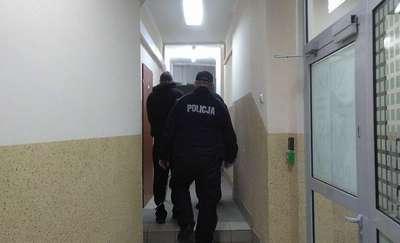 Sprawca brutalnej zbrodni aresztowany podczas kąpieli