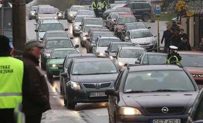 Policja ostrzega: olbrzymie utrudnienia w ruchu w Ostródzie