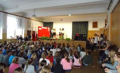Uczniowie dumnie odśpiewali Rotę