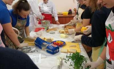 Warsztaty kulinarne w świetlicy szkolnej