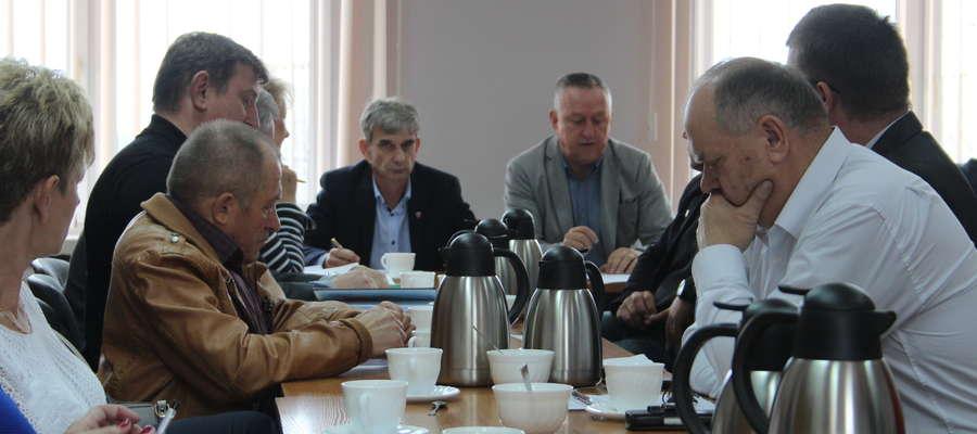 Radni postanowili wrócić to pierwszej wersji i przygotować siedem oddzielnych planów.