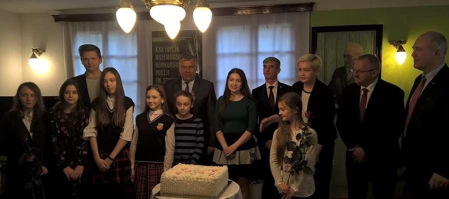 Tuż po wręczeniu nagród na laureatów konkursu czekał pyszny tort