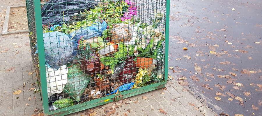Na cmentarzu przy ul. Poprzecznej nie ma segregacji śmieci