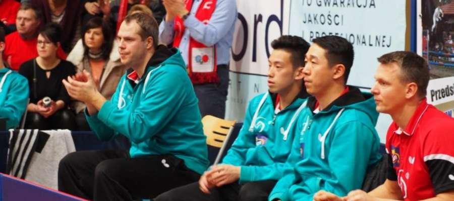 Dekorglass Działdowo z trenerem Piotrem Kołacińskim (z prawej) uległ beniaminkowi fot. arch
