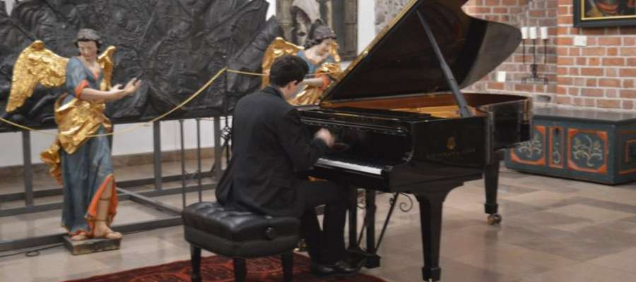 Łukasz Krupiński jest znanym na świecie pianistą