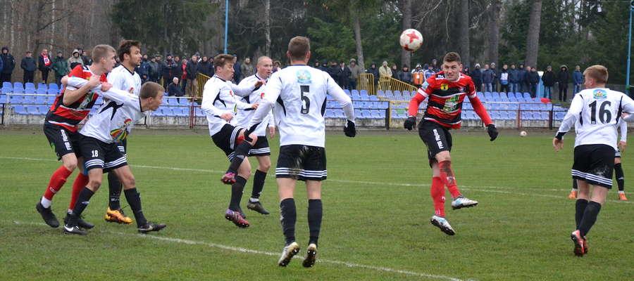 Piłkarze Kaczkana Huraganu Morąg rundę jesienną zakończyli tuż za podium