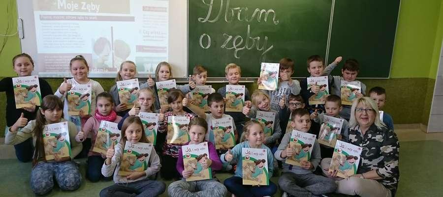 """Uczniowie z """"Dwójki"""" biorą udział w różnych programach prozdrowotnych"""