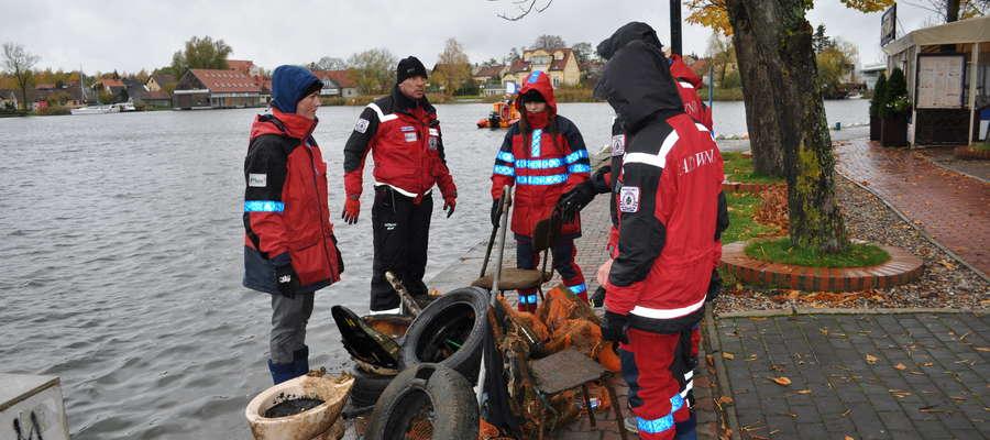 Akcja sprzątania Jeziora Mikołajskiego