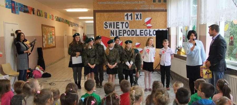 Uczniowie przedstawili polską drogę do wolności