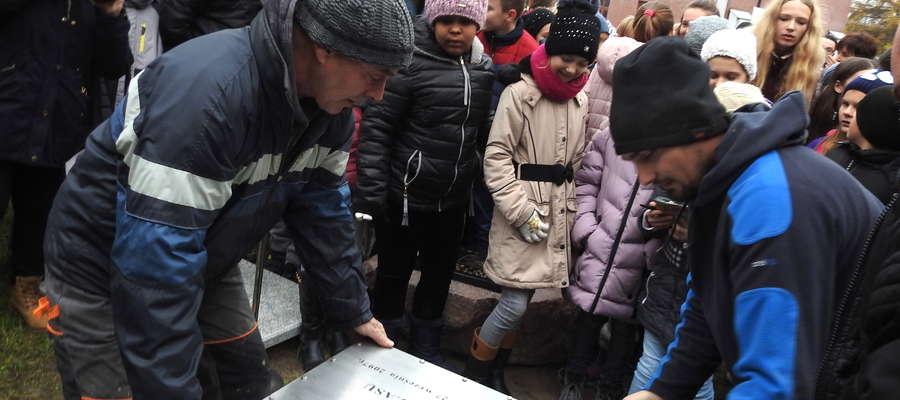Pasłęcka Kapsuła Czasu została zakopana na dziecińcu zamkowym