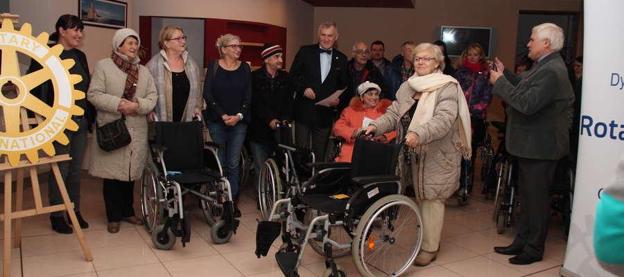 Rotarianie pomagają niepełnosprawnym