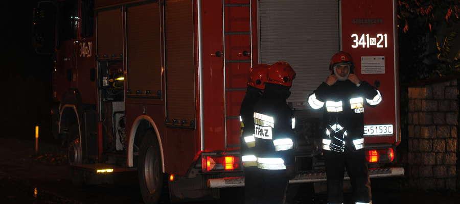 Elbląscy strażacy podczas akcji. Zdjęcie archiwalne