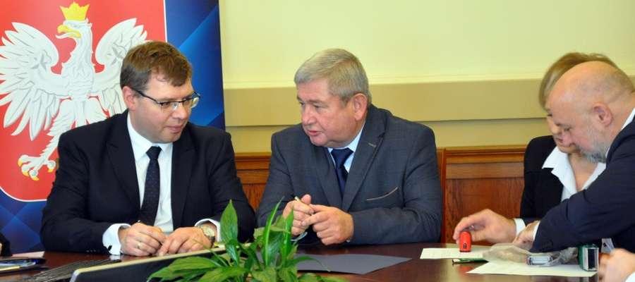 Wojewoda Artur Chojecki i starosta Jan Harhaj