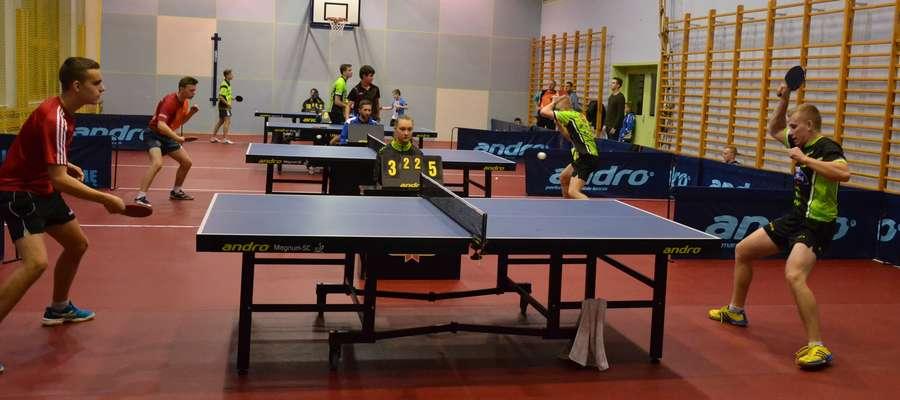 W małej sali OCSiR rozegrany został 2. Wojewódzki Turniej Kwalifikacyjny juniorów i seniorów