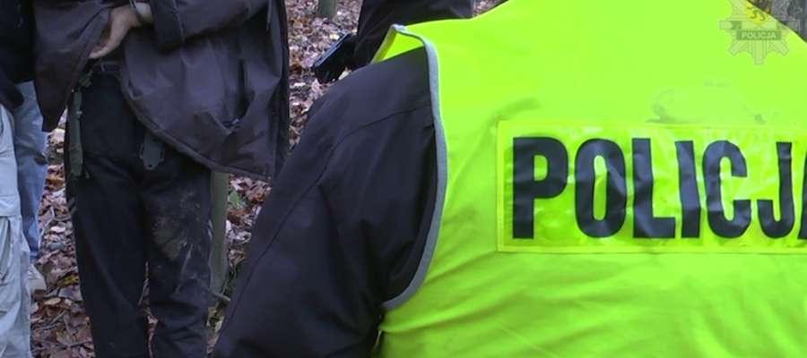 54-latek został zatrzymany w kompleksie leśnym