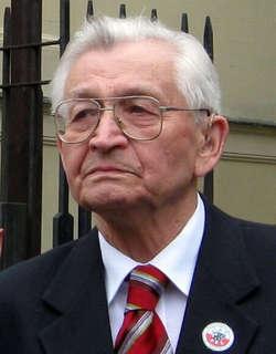 — Główną słabością rządzącego PiS-u jest brak wyobraźni politycznej - mówi prof. Leszek Moczulski.