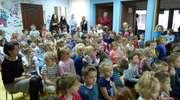 Uczniowie szkoły muzycznej zagrali przedszkolakom