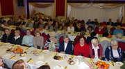 Osoby starsze i samotne przełamały się opłatkiem w Rożentalu
