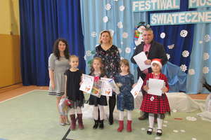 Świąteczne piosenki w szkole w Tereszewie