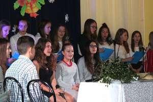 Szkoła z Sampławy zaprasza na kiermasz, spektakl i koncert kolęd!