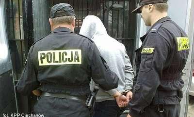 Matka z 20-letnim synem, 16-letnia dziewczyna oraz 38-latka z powiatu mławskiego złapani na kradzieży ubrań w Ciechanowie