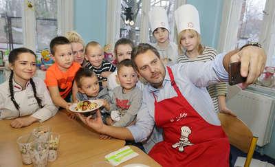 Michelin przywiózł dzieciom gwiazdę. Wojciech Amaro w Olsztynie! [ZDJĘCIA, FILM]