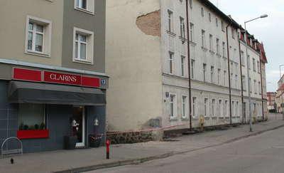 Ulica Konarskiego: Kawał tynku spadł mi niemal pod nogi