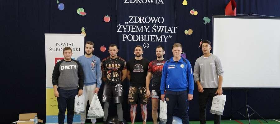 """Sportowcy z """"Ludusa"""" przeprowadzili intensywny trening dla młodzieży"""