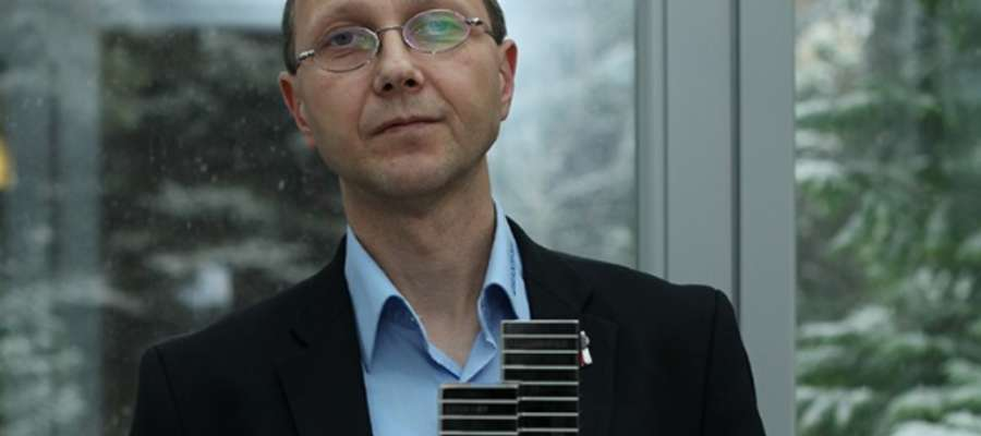 Nagrodę z rąk Prezydenta odebrał v-ce prezes Dramiński S. A. — Andrzej Wiktorowicz