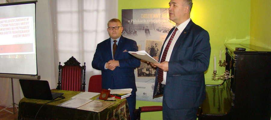 Spotkanie rozpoczął kierownik Jerzy Piotrowski, który oddał głos prelegentowi dr Arkadiuszowi Mellerowi.