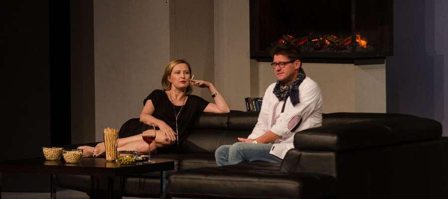 W spektaklu grają m.in. Izabela Kuna oraz Wojciech Malajkat, który jest jednocześnie reżyserem sztuki.