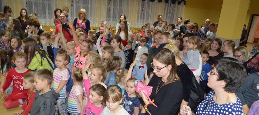 Publiczność imprezy mikołajkowej w GCK