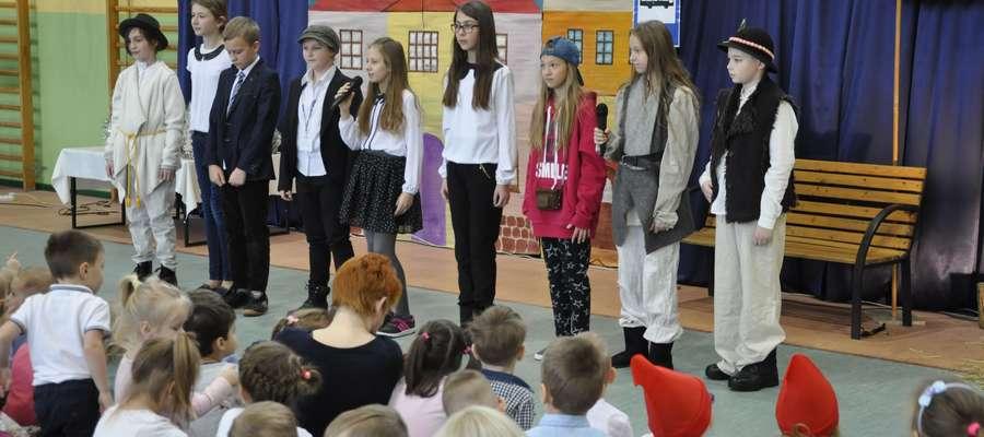 Uczniowie wystawili bożonarodzeniowe jasełka
