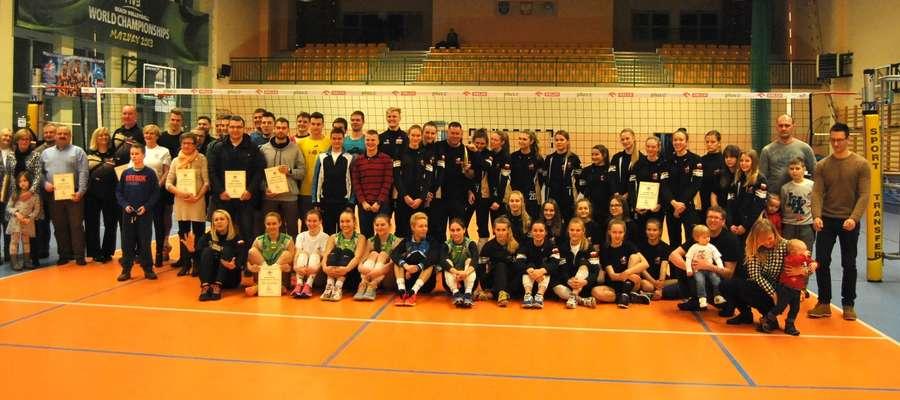 Zdjęcie siatkarskiej rodziny Zrywu-Volley Iława z Gali 2016