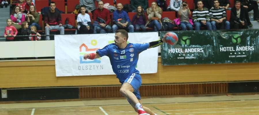 Rzuca Radosław Dzieniszewski