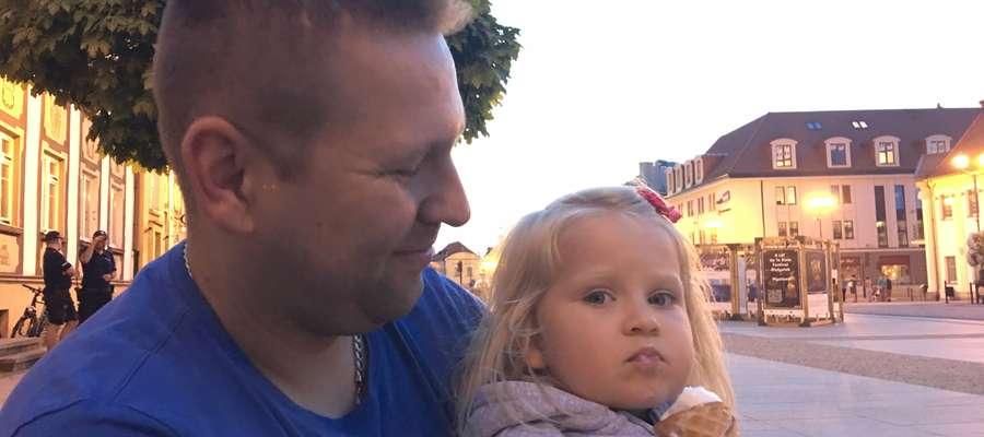 Dr Paweł Grabala z Olsztyna pomógł trzylatce z Białegostoku. Dziewczynka uniknie kilkudziesięciu operacji