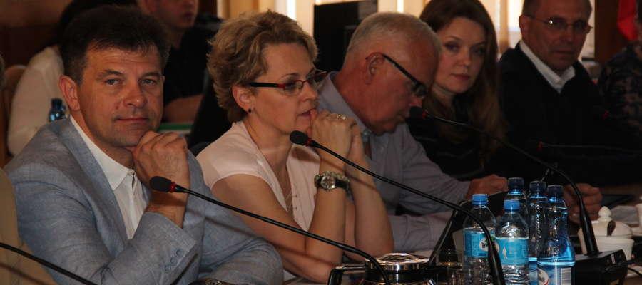 Przewodniczący Rady Miejskiej w Giżycku - Cezary Piórkowski - pierwszy z lewej