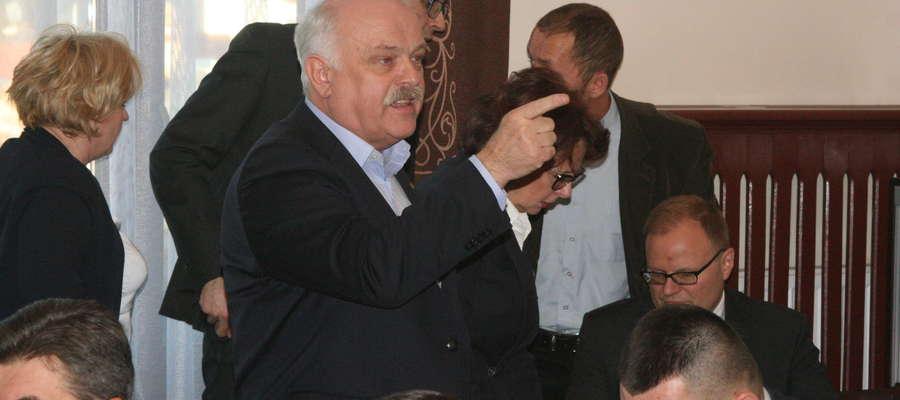 Burmistrz Krzysztof Hećman ostro zareagował na słowa radnego Rypiny