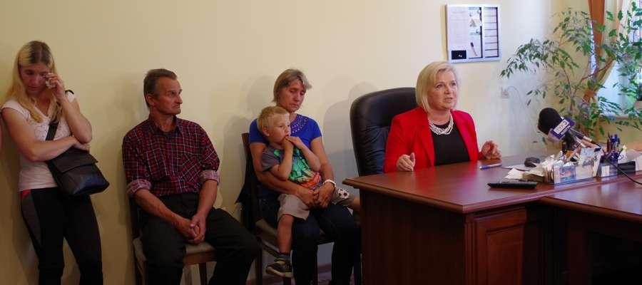 Od wielu lat rodzinę wspiera senator Lidia Staroń