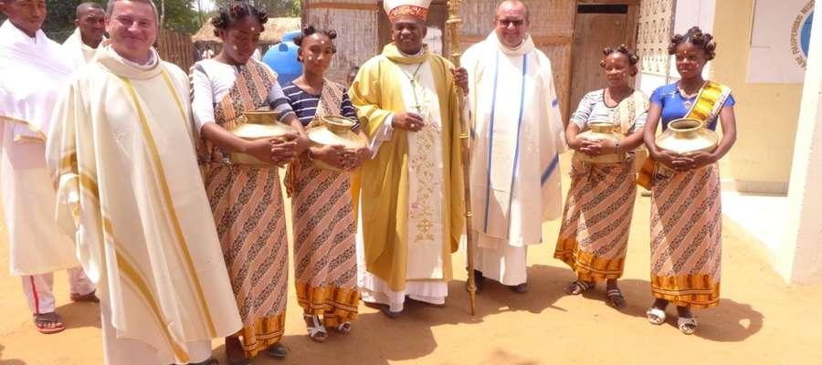Ojciec Marek pełni posługę na misji Befasy na Madagaskarze