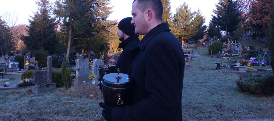 Pogrzeb dzieci utraconych na cmentarzu Dębica